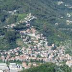 Il paese di Casarza Ligure, in Val Petronio.