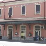 La stazione ferroviaria in piazza Torino a Lavagna