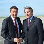 La stretta di mano fra Capurro e Renzi