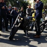 Il sindaco di Rapallo Carlo Bagnasco con la moto elettrica