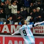 Ciccio Caputo esulta dopo un gol