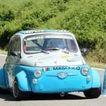 Enzo Mascolo in gara sulla sua Fiat 500
