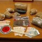 Droga e materiali sequestrati dalla polizia