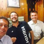 Selfie di Toti con Salvini e Rixi a Recco