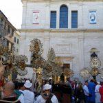 Il raduno davanti San Giacomo