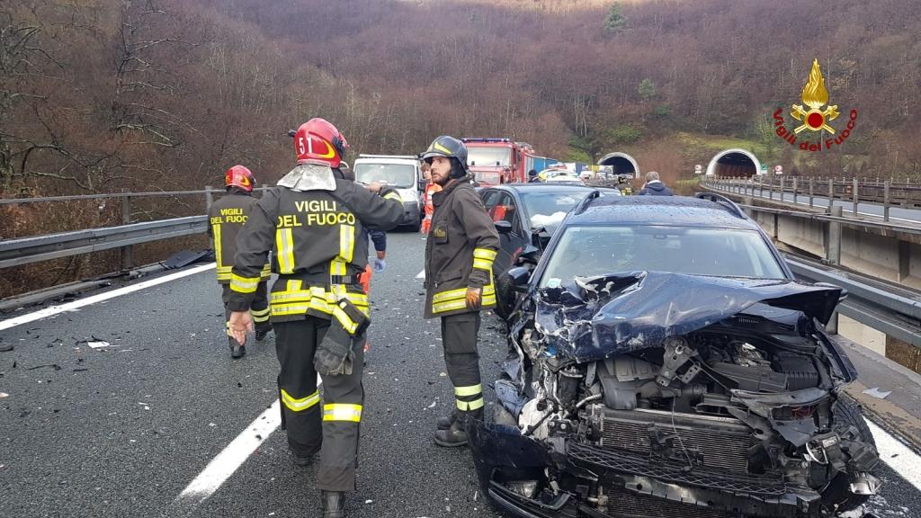 Maxi tamponamento in Corsia Sud tra Deiva Marina e Carrodano. 10 feriti