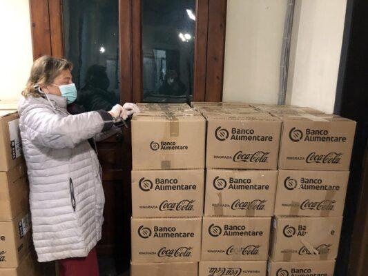Distribuzione pacchi alimentari Chiavari1