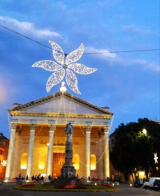 cattedrale chiavari illuminata per feste luglio